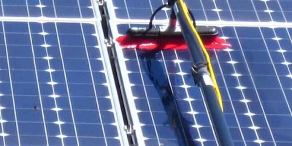 solar-panel-cleaning-10-800x684
